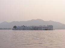 Der Maharaja-Palast auf dem See / The Maharaja-Palace